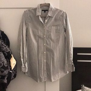 Women's Banana Republic Dress Shirt size s
